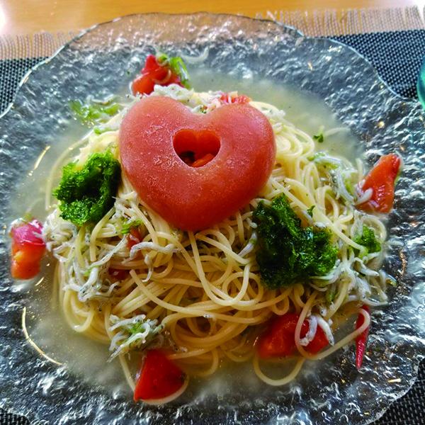 カーナピーナ(あおさとジャコの冷静パスタ〜はーとのアイストマトジュレ〜)